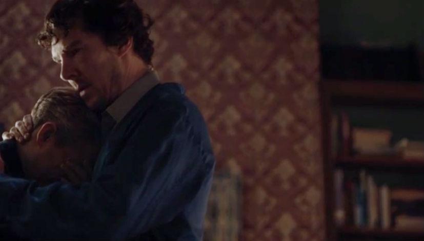 sherlock-season-4-episode-2-johnlock-hug